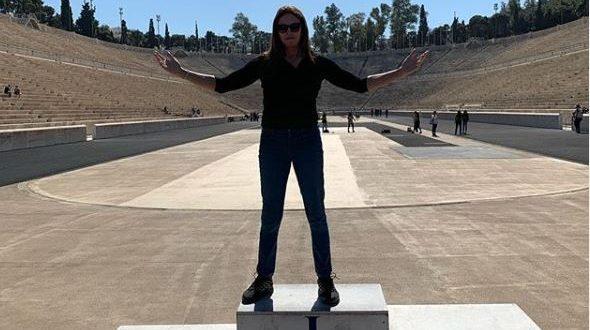 """Κέιτλιν Τζένερ: """"Σχεδόν όλη μου τη ζωή κυκλοφορούσα κρυφά ντυμένος γυναίκα"""" - BORO από την ΑΝΝΑ ΔΡΟΥΖΑ"""