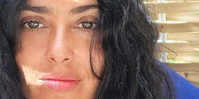 Η Σάλμα Χάγιεκ στα 53 της έχει κερδίσει τη μάχη με τον χρόνο! - BORO από την ΑΝΝΑ ΔΡΟΥΖΑ